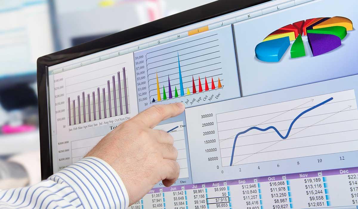 Qué es, qué hace y dónde trabaja un analista financiero - Formación  Profesional